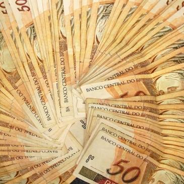 Comércio tem bom movimento no Natal e economia tem previsões para 2013
