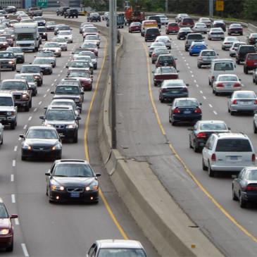 Venda de veículos cai em janeiro, mas produção e movimento nas lojas aumentam