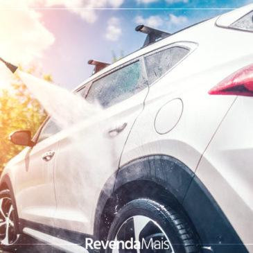 Lavar o carro muitas vezes pode danificar a pintura? Veja como manter a aparência sem danificar o veículo