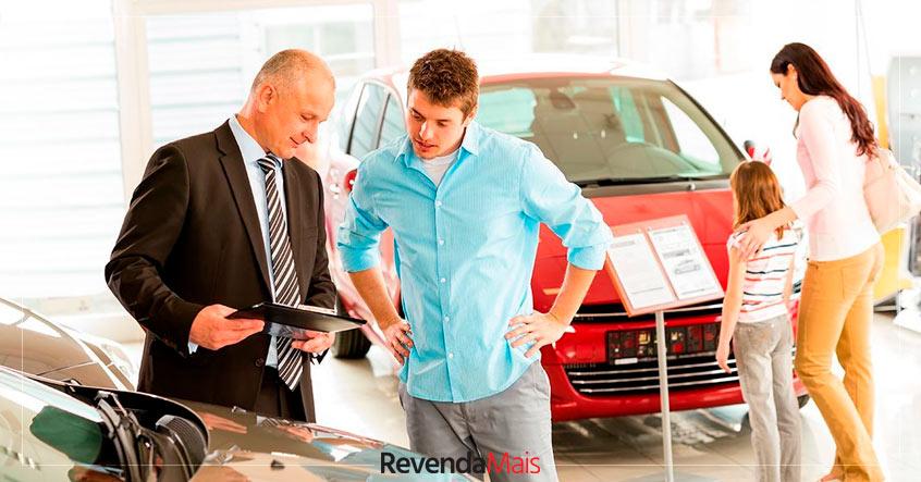 atrair clientes para loja de veículos